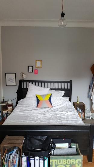 gro es zimmer mit wohn und schlafbereich in wg in altona zur zwischenmiete wohngemeinschaft. Black Bedroom Furniture Sets. Home Design Ideas