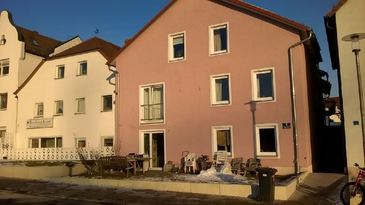 gro es wg zimmer zur zwischenmiete wg zimmer in regensburg reinhausen. Black Bedroom Furniture Sets. Home Design Ideas
