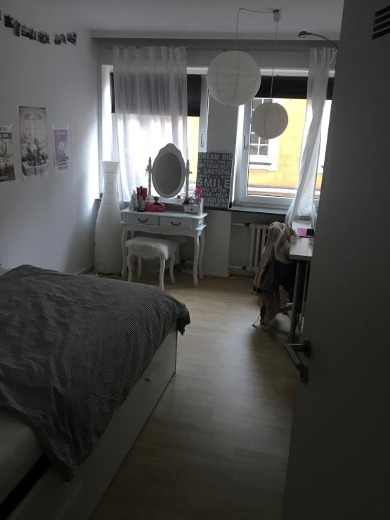 zentrales m bliertes wg zimmer zur zwischenmiete august. Black Bedroom Furniture Sets. Home Design Ideas