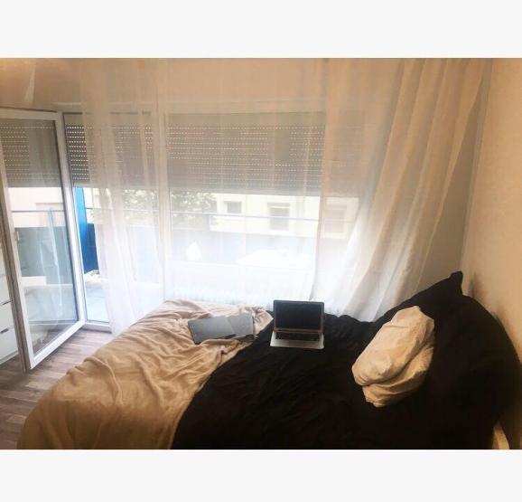sehr zentrale 1 zimmer wohnung in mannheim innenstadt 1 zimmer wohnung in mannheim innenstadt. Black Bedroom Furniture Sets. Home Design Ideas