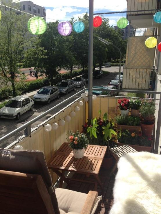 sch ne und sonnige 3 zimmer wohnung mit s d balkon zur zwischenmiete 3 monate wohnung in. Black Bedroom Furniture Sets. Home Design Ideas