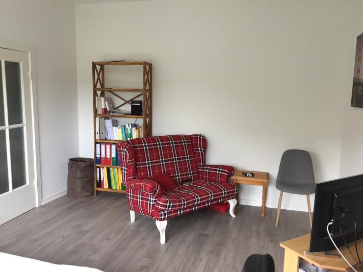 helle 1 zimmer wohnung 1 zimmer wohnung in hamburg hamm nord. Black Bedroom Furniture Sets. Home Design Ideas