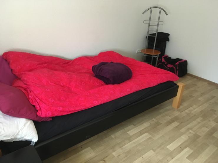 m biliertes gem tliches zimmer in gerresheim wg zimmer. Black Bedroom Furniture Sets. Home Design Ideas