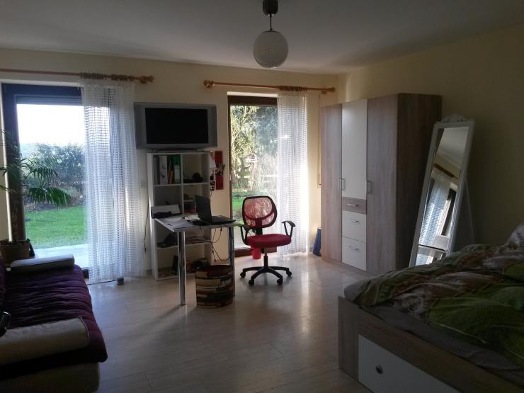 sch ne 2 zimmer wohnung mit gro er k che in unin he mit terrasse wohnung in trier tarforst. Black Bedroom Furniture Sets. Home Design Ideas