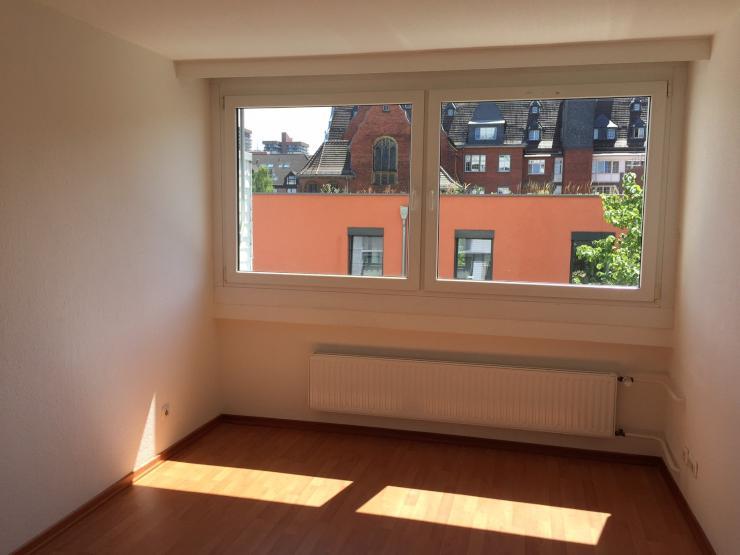 helle 1 5 zimmer wohnung in bayenthal an student in mit. Black Bedroom Furniture Sets. Home Design Ideas