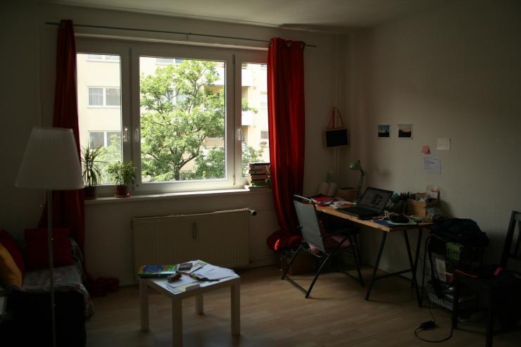 g nstige sonnige 1 zi whg in moabit 1 zimmer wohnung in berlin moabit. Black Bedroom Furniture Sets. Home Design Ideas