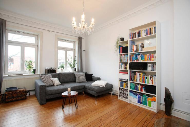 helle 3 zimmer altbau wohnung mit kamin und balkon wohnung in hamburg altona nord. Black Bedroom Furniture Sets. Home Design Ideas