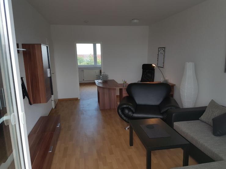 2 zimmer wohnzimmer mit balkon 20qm schlafzimmer 12qm wg zimmer in wismar friedenshof. Black Bedroom Furniture Sets. Home Design Ideas