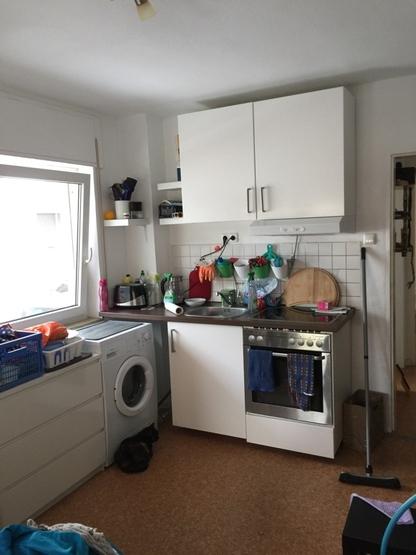 1 5 zimmer apartment voll m bliert wohnung in frankfurt am main nied. Black Bedroom Furniture Sets. Home Design Ideas