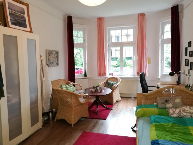 gro es zimmer in 4er wg frei wg zimmer in hamburg altona. Black Bedroom Furniture Sets. Home Design Ideas
