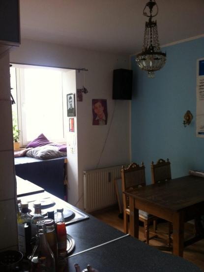 zwischenmiete in 2 zimmer altbauwohnung in k ln m lheim. Black Bedroom Furniture Sets. Home Design Ideas