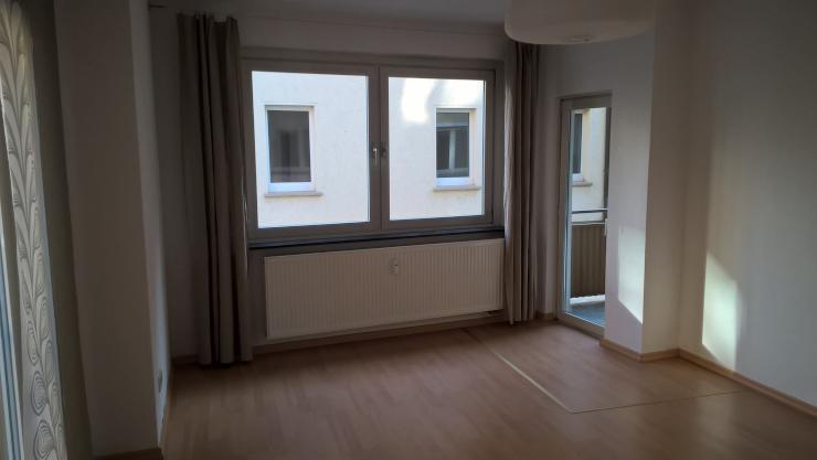 zentrale 2 zimmmer wohnung 56qm balkon 1 og wohnung in w rzburg altstadt. Black Bedroom Furniture Sets. Home Design Ideas