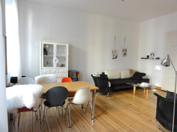 tolle altbau wohnung in berlin mitte m bliert wohnung in berlin mitte. Black Bedroom Furniture Sets. Home Design Ideas