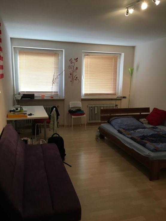 helles ger umiges wg zimmer in 3er wg in unterrath. Black Bedroom Furniture Sets. Home Design Ideas