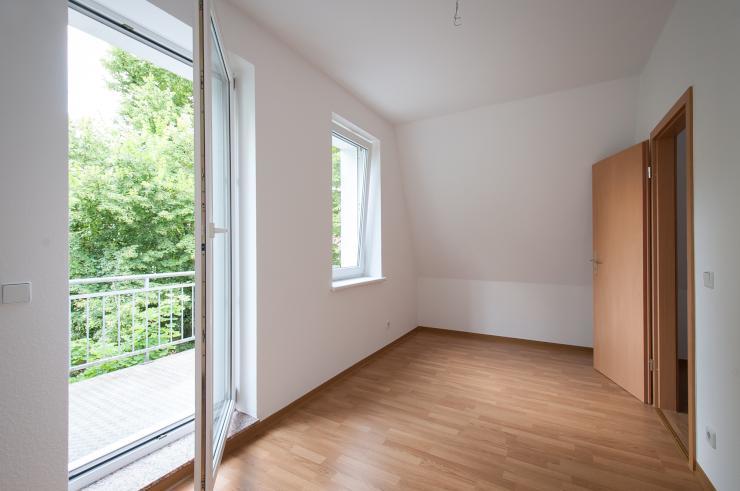 ab sofort zu vermieten neu sanierte wohnung am volkspark kleinzschocher wohnung in leipzig. Black Bedroom Furniture Sets. Home Design Ideas