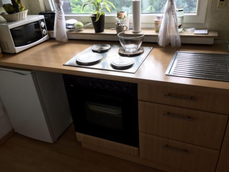 sch ne zweizimmerwohnung mit loggia k che und bad wohnung in bielefeld sieker. Black Bedroom Furniture Sets. Home Design Ideas