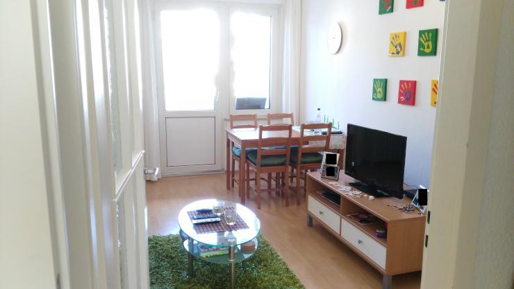 m blierte 2 zimmer wohnung in essen holsterhausen wohnung in essen holsterhausen. Black Bedroom Furniture Sets. Home Design Ideas
