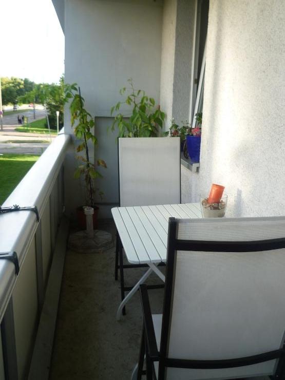 1 zimmerappartement 32m mit balkon gwg halle neustadt 1 zimmer wohnung in halle saale. Black Bedroom Furniture Sets. Home Design Ideas