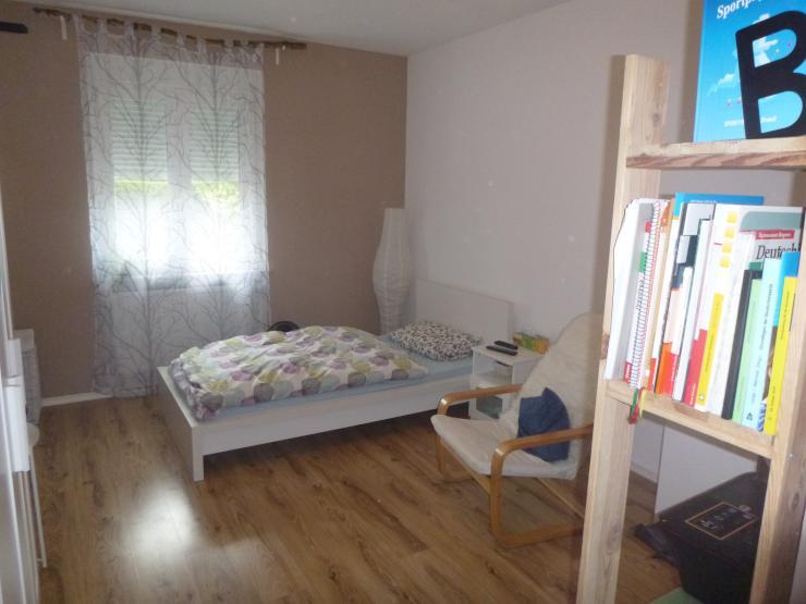 2 voll m bilierte neu renovierte zimmer in sch ner 2 zimmer wohnung im stadtteil leider auch. Black Bedroom Furniture Sets. Home Design Ideas