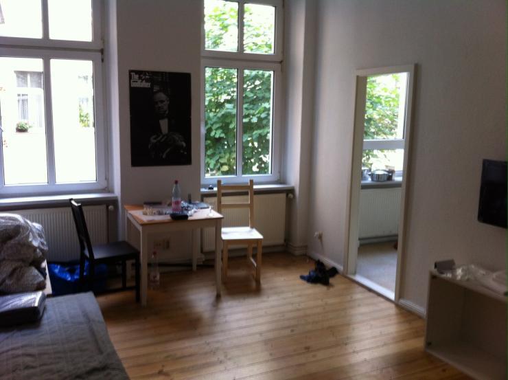 renovierte altbauwohnung im weserkiez 1 zimmer wohnung in berlin neuk lln. Black Bedroom Furniture Sets. Home Design Ideas