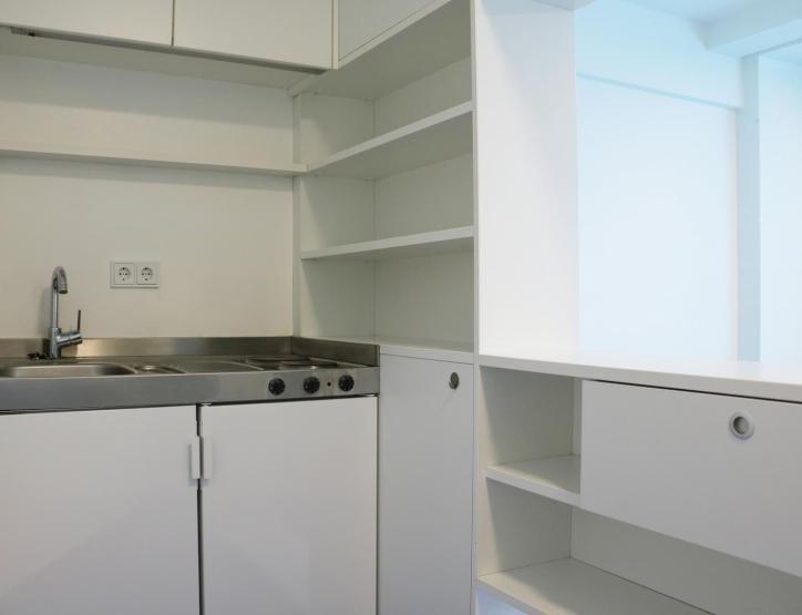 g nstige 1 zi wohnung im olympiadorf direkt an der ubahnhaltestelle olympiazentrum 1 zimmer. Black Bedroom Furniture Sets. Home Design Ideas