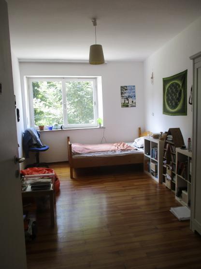 20 m zimmer in der innenstadt wohngemeinschaft in augsburg innenstadt. Black Bedroom Furniture Sets. Home Design Ideas