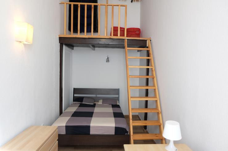 sch n gem tliche und ger umige wohnung 80 qm bei kod ly. Black Bedroom Furniture Sets. Home Design Ideas