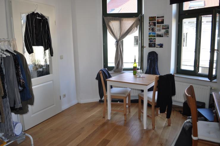 wundersch ne 1 zimmer wohnung mit seperater k che 1. Black Bedroom Furniture Sets. Home Design Ideas