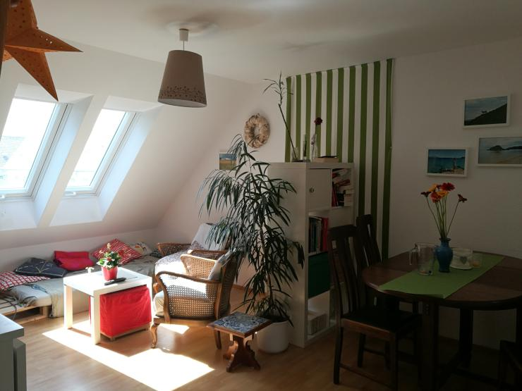 sch ne helle dachgeschosswohnung wohnung in braunschweig braunschweig. Black Bedroom Furniture Sets. Home Design Ideas