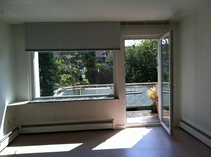 helle 2 zimmerwohnung ber zwei etagen f r wg geeignet. Black Bedroom Furniture Sets. Home Design Ideas