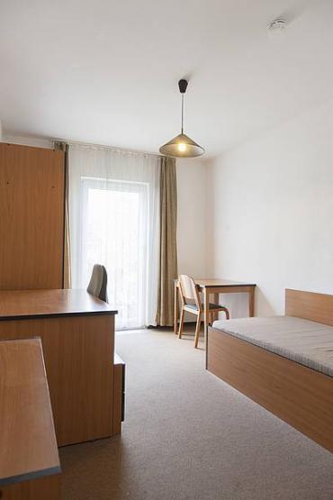 g nstige 1 wohnung f r studenten 1 zimmer wohnung in. Black Bedroom Furniture Sets. Home Design Ideas
