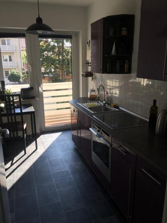 sch ne 2 zimmer wohnung nachmieter gesucht wohnung in erfurt erfurt altstadt. Black Bedroom Furniture Sets. Home Design Ideas