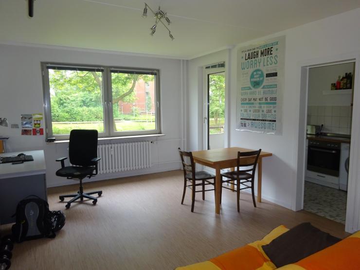 helle 1 zimmer studentenwohnung mit blick auf gr nanlage in uni n he kiel schreventeich 1. Black Bedroom Furniture Sets. Home Design Ideas