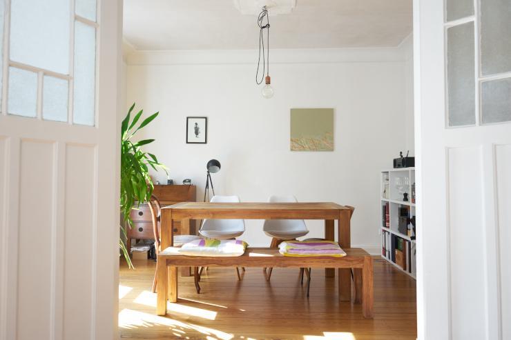 charmante 3 zimmer altbauwohnung zur zwischenmiete wohnung in hamburg eimsb ttel. Black Bedroom Furniture Sets. Home Design Ideas