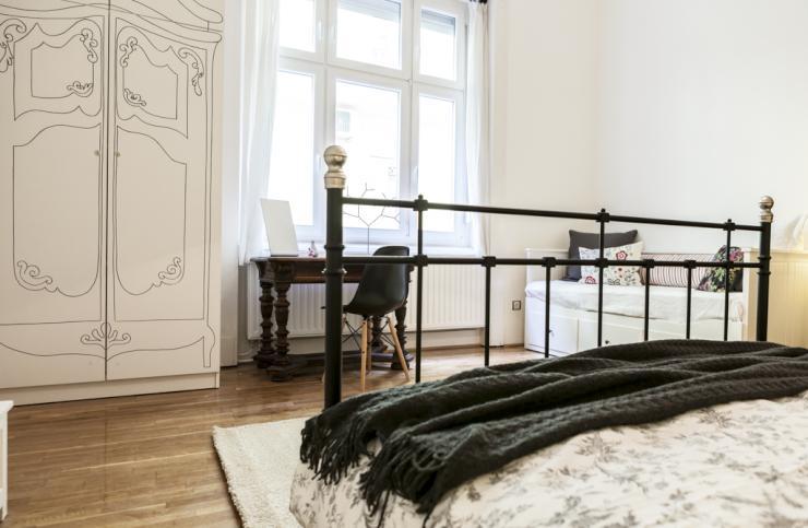 wundersch ne 2 zi wohnzimmer wh tagesweise zu vermieten wohnung in budapest 7 bezirk. Black Bedroom Furniture Sets. Home Design Ideas