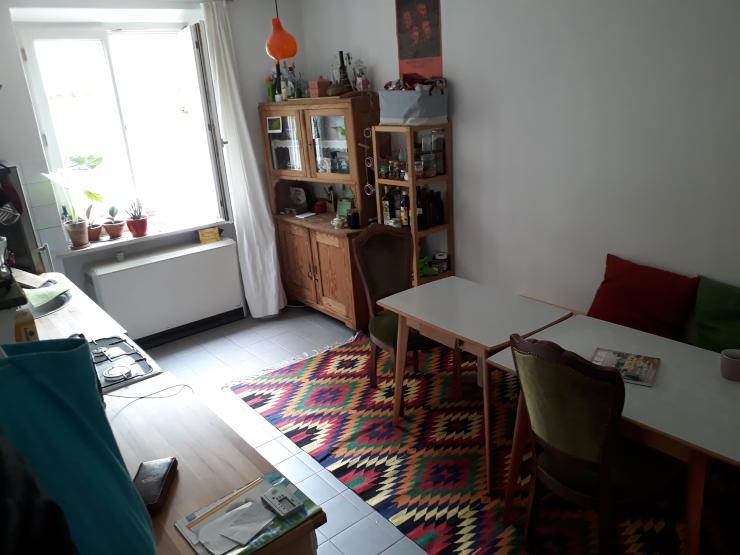 helles zimmer in sch ner hochparterre eg wohnung zimmer m bliert m nchen neuhausen nymphenburg. Black Bedroom Furniture Sets. Home Design Ideas