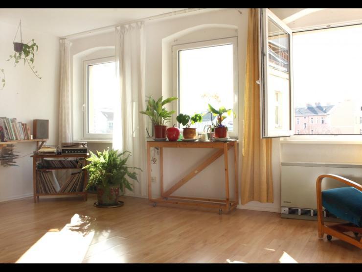 zwischenmiete f r 2 wochen in neuk lln 1 zimmer wohnung. Black Bedroom Furniture Sets. Home Design Ideas
