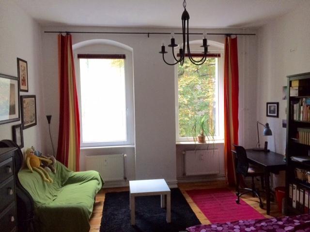 m blierte wohnung in ruhigem hinterhof 1 zimmer wohnung in berlin neuk lln. Black Bedroom Furniture Sets. Home Design Ideas