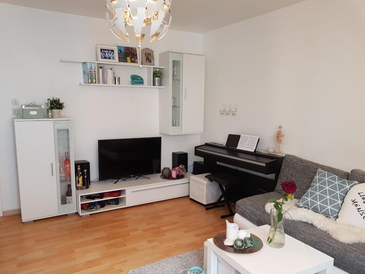 zwei zimmer in sch ner 2er wg in hbf n he zu vergeben wg. Black Bedroom Furniture Sets. Home Design Ideas
