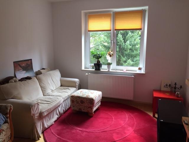 interessiert an einer m blierten 2 zimmer wohnung nahe der. Black Bedroom Furniture Sets. Home Design Ideas