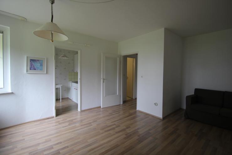 gem tliche 1 zimmer wohnung mit balkon ca 33 qm neue vahr s dost 1 zimmer wohnung in bremen. Black Bedroom Furniture Sets. Home Design Ideas