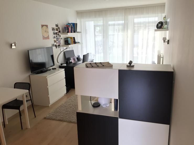 sch ne helle 1 zimmer wohnung in zentraler lage 1 zimmer wohnung in erlangen innenstadt. Black Bedroom Furniture Sets. Home Design Ideas