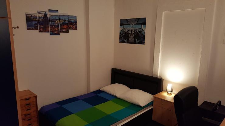 lm hle sucht neuen mitbewohner zur zwischenmiete wg zimmer in bremen altstadt. Black Bedroom Furniture Sets. Home Design Ideas