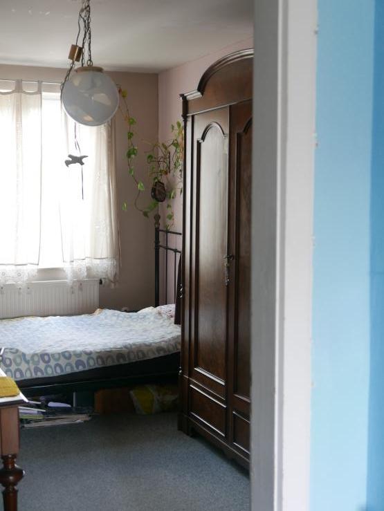 untermieterin f r gem tliches m bliertes zimmer in zentraler wohnung gesucht m bliertes wg. Black Bedroom Furniture Sets. Home Design Ideas