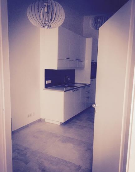 modernes studioapartment nach kernsanierung 1 zimmer wohnung in berlin siemensstadt. Black Bedroom Furniture Sets. Home Design Ideas