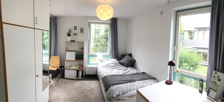 helles zimmer in 3er wg in stuttgart mitte vom wohngemeinschaften in. Black Bedroom Furniture Sets. Home Design Ideas