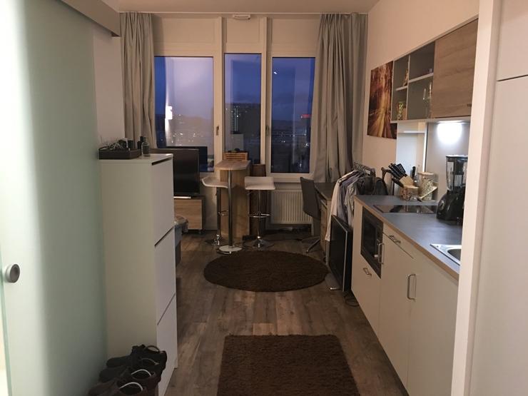 zentrales apartment mit skylineblick 1 zimmer wohnung in frankfurt am main gallusviertel. Black Bedroom Furniture Sets. Home Design Ideas