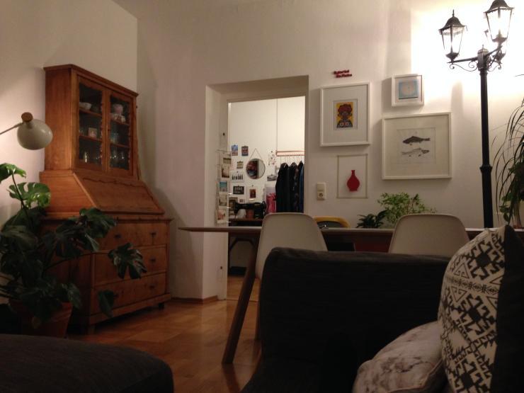 top 2 zimmer whg zur zwischenmiete nur 1 person bilder auf anfrage wohnung in m nchen. Black Bedroom Furniture Sets. Home Design Ideas