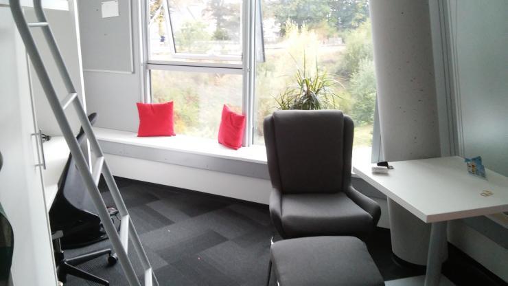 1 zimmer apartment zentral neubau 1 zimmer wohnung in villingen schwenningen schwenningen. Black Bedroom Furniture Sets. Home Design Ideas