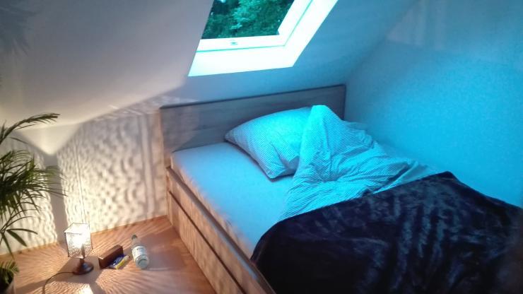 s es zimmer mit begehbarem kleiderschrank wohngemeinschaft in g ttingen innenstadt. Black Bedroom Furniture Sets. Home Design Ideas